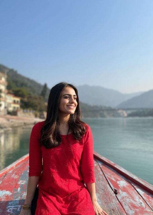 Aksha Pardasany posing for the camera in Rishikesh, Uttarakhand in December 2020