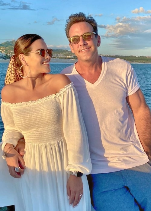 Carlos Ponce and Karina Banda as seen in an Instagram post in March 2021
