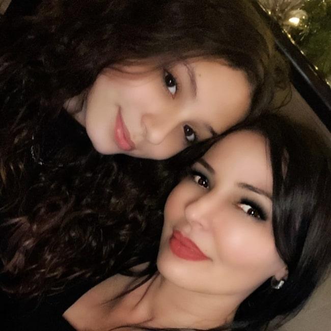 Drita D'Avanzo as seen in a selfie with her daughter Gizelle Davanzo in December 2020