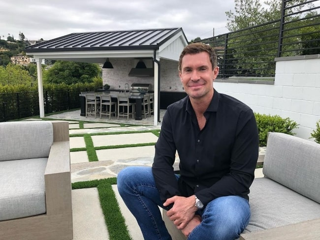 Jeff Lewis smiling for a picture in an Instagram post in April 2020