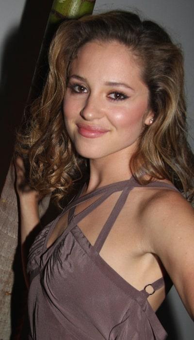 Margarita Levieva smiling for the camera in June 2009