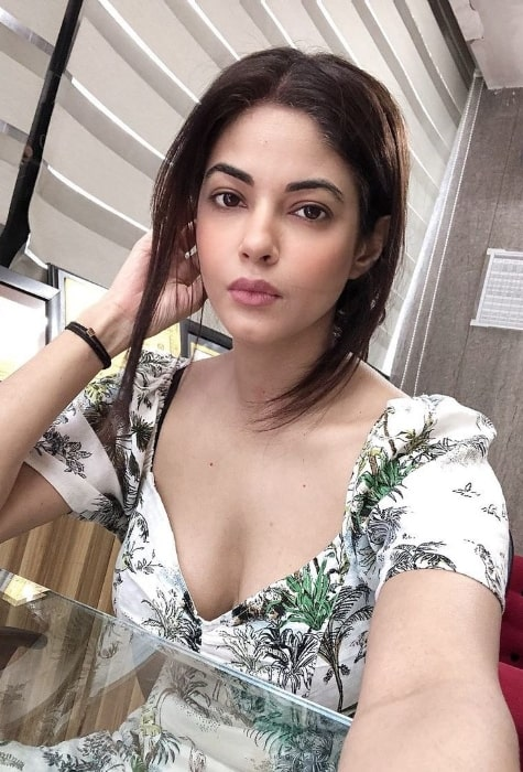 Meera Chopra as seen while taking a selfie at Green Park Market in New Delhi in September 2020