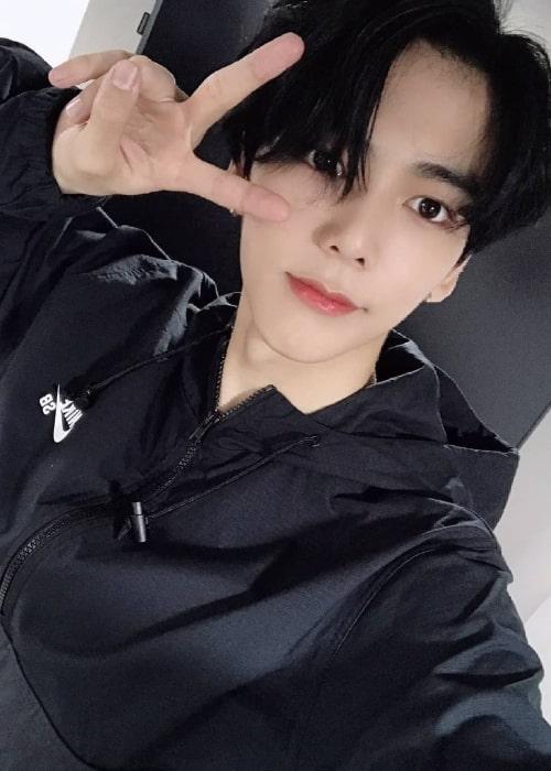 Minchan as seen in a selfie that was taken in 2020