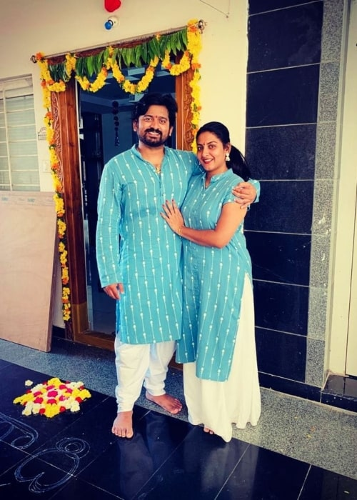 Pallavi Ramisetty as seen in a picture that was taken with her husband Dileep Kumar in April 2021
