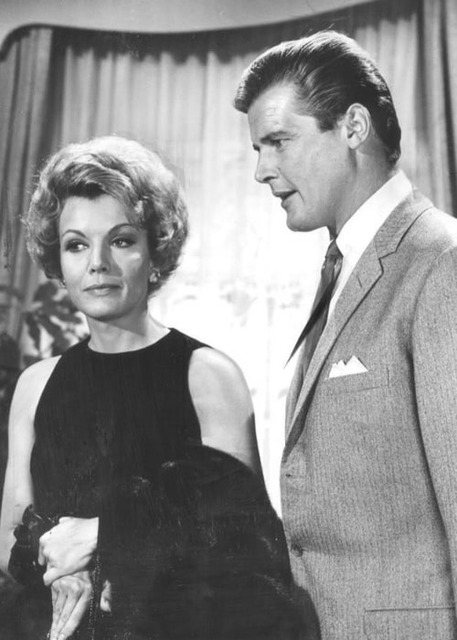 Roger Moore and Joanna Barnes in 'The Trials of O'Brien' in 1965