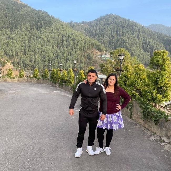 Sushil Kumar and his wife Savi Kumar