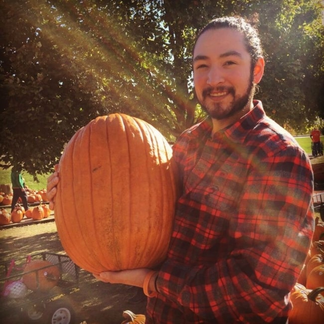 UberHaxorNova having a fun time with lovely pumpkins in October 2016