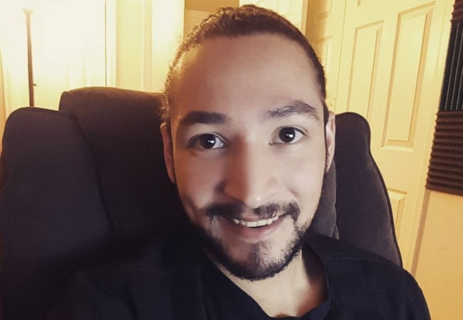 UberHaxorNova in December 2016 sharing his look with trimmed face hairs
