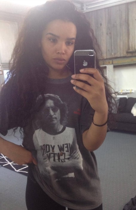 Zoe Robins as seen while taking a mirror selfie
