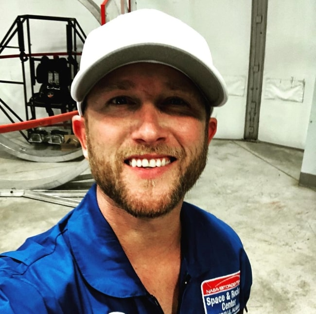 Cole Swindell in July 2020 having a great time at Space Camp