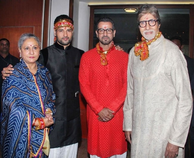 From Left to Right - Jaya Bachchan, Rohit Roy, Ronit Roy, and Amitabh Bachchan as seen in an Instagram post in April 2021