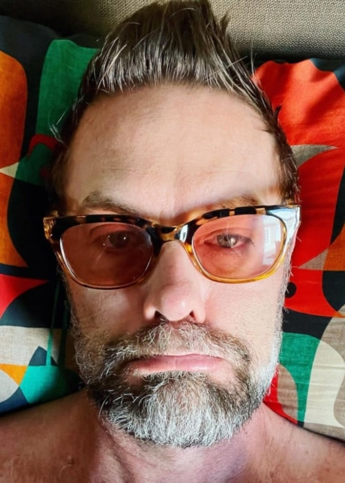 Garret Dillahunt showing his pillow hair on a Sunday morning in March 2021