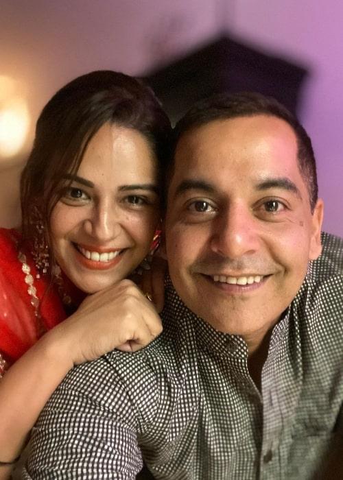 Gaurav Gera as seen while smiling in a selfie alongside Mona Singh in November 2019