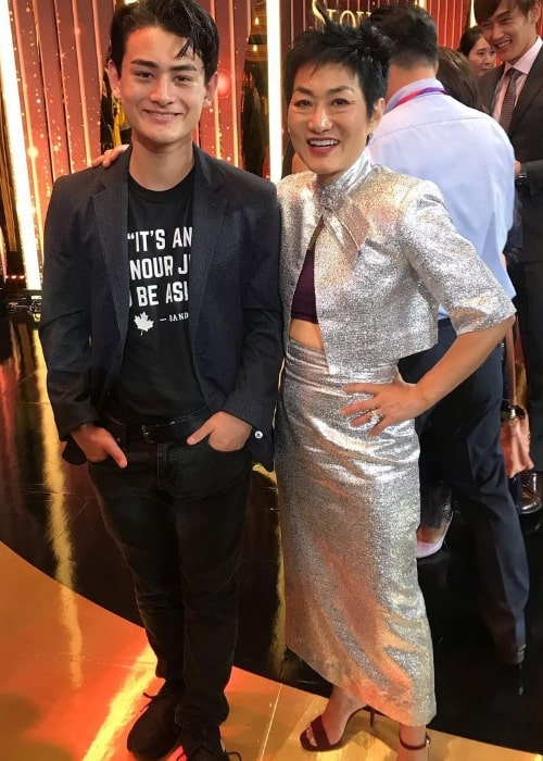 Jean Yoon and her son at the Seoul Drama Awards in 2019