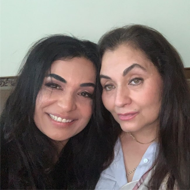 Meera as seen in a selfie with British-Pakistani singer and actress Salma Agha in February 2021