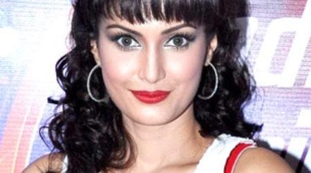 Nisha Rawal Height, Weight, Age, Body Statistics