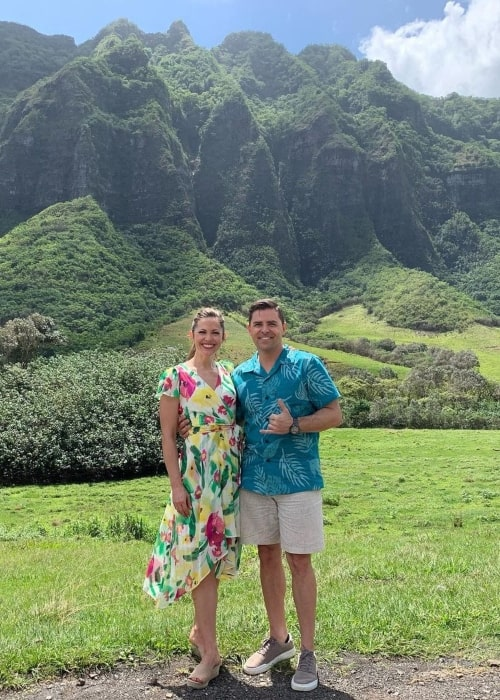Pascale Hutton and her co-star Kavan Smith as seen in a picture that was taken in Kualoa Ranch in June 2021
