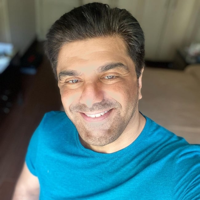 Samir Soni as seen while taking a selfie in March 2021