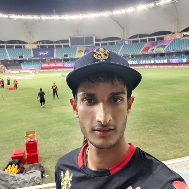 Shahbaz Ahmed as seen while taking a selfie at Dubai International Cricket Stadium in September 2020
