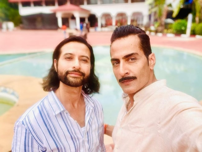 Sudhanshu Pandey (Right) as seen while taking a selfie with Apurva Agnihotri in June 2021