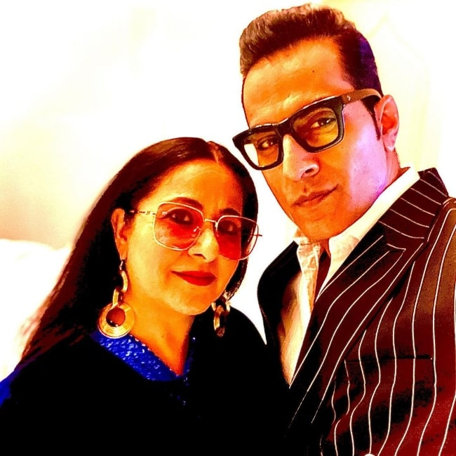 Sudhanshu Pandey in a selfie with his wife in January 2021