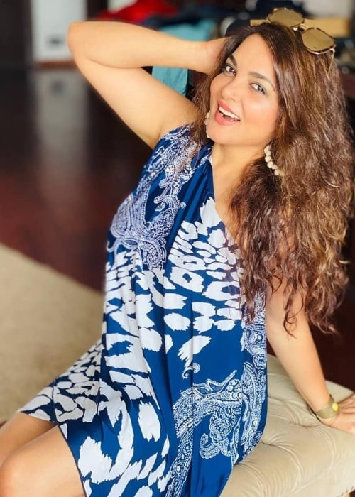 Tanu Vidyarthi smiling for the camera in March 2021