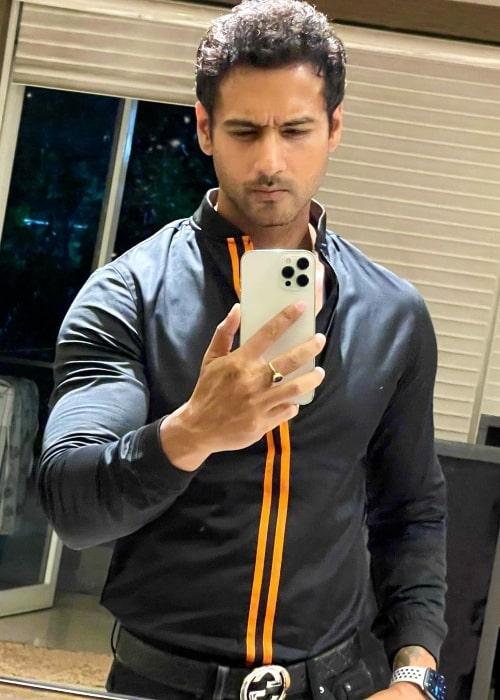 Yash Dasgupta as seen while taking a mirror selfie in June 2021