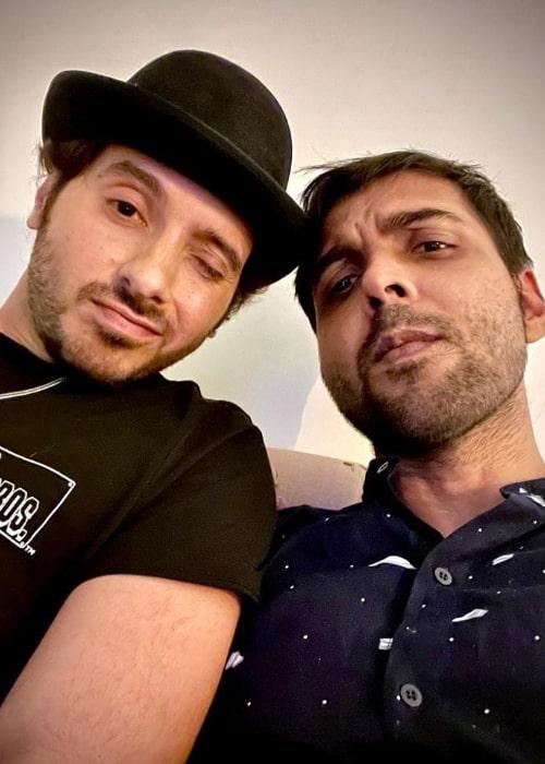 Abhishek Banerjee (Right) and Divyenndu in a selfie