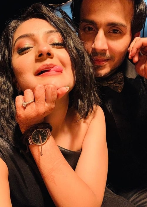 Akshita Mudgal as seen in a selfie with her co-star Param Singh in May 2021