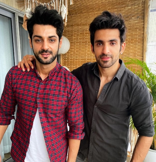 Arjit Taneja (Right) as seen while posing for a picture alongside Karan Wahi