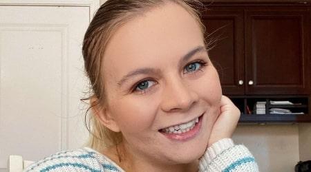 Cassie Hollister Height, Weight, Age, Body Statistics