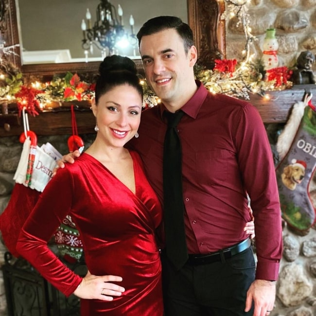 Dan Gheesling and his wife in December 2020 wishing everyone had a lovely Christmas