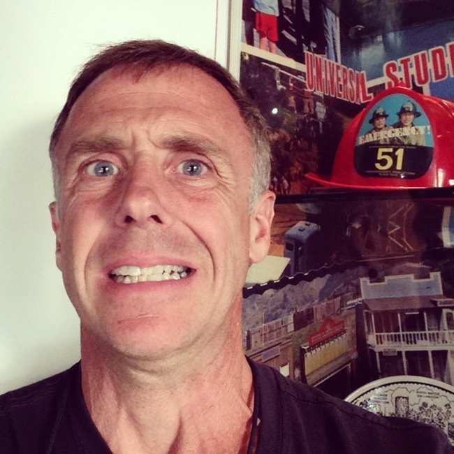 David Eigenberg seen in a funny selfie in 2014