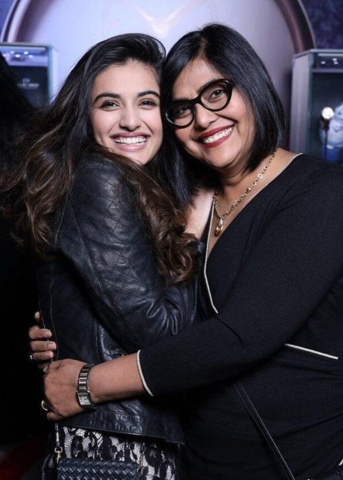Divyansha Kaushik as seen in a picture with makeup artist Anu kaushik in February 2018