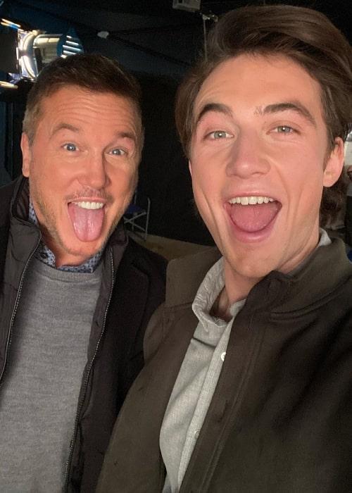 Jordan Burtchett (Right) clicking a selfie with Lochlyn Munro in March 2021