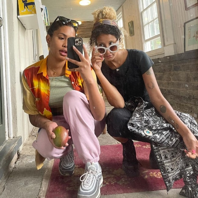 Leyna Bloom (Left) and Rosie Mae in a mirror selfie in Tivoli, New York in July 2021