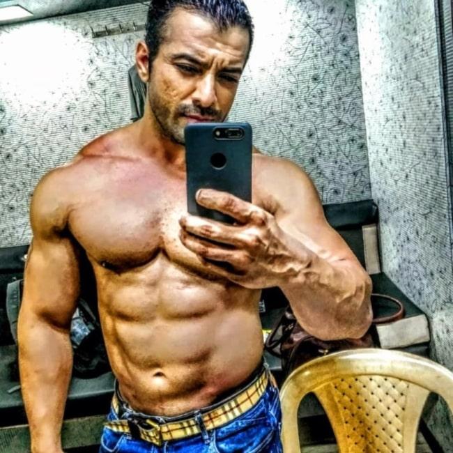 Nirbhay Wadhwa sharing his selfie in February 2021