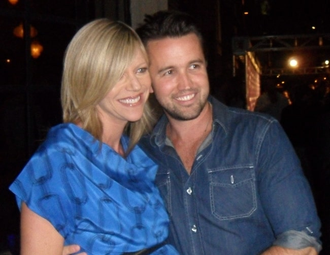 Rob McElhenney with his wife and co-star Kaitlin Olson in 2010