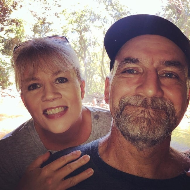 Suzanne Hollister with her husband Jim Hollister in a selfie that was taken in June 2019