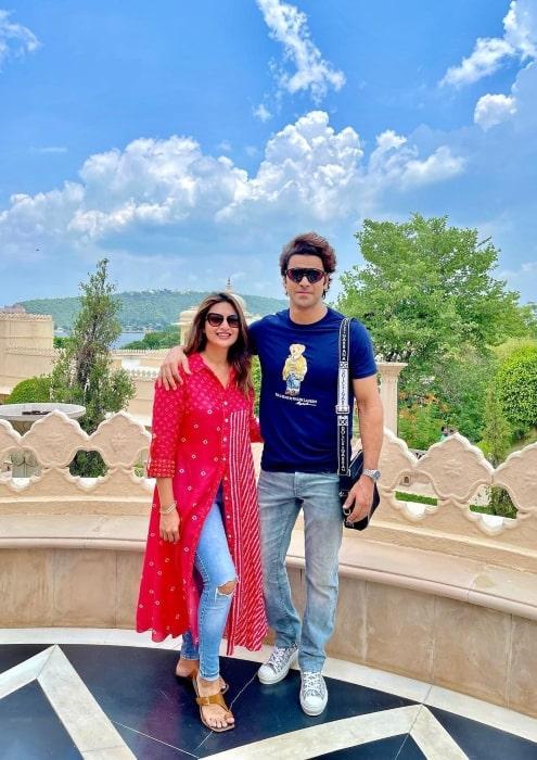Vivek Dahiya with his sweetheart in July 2021