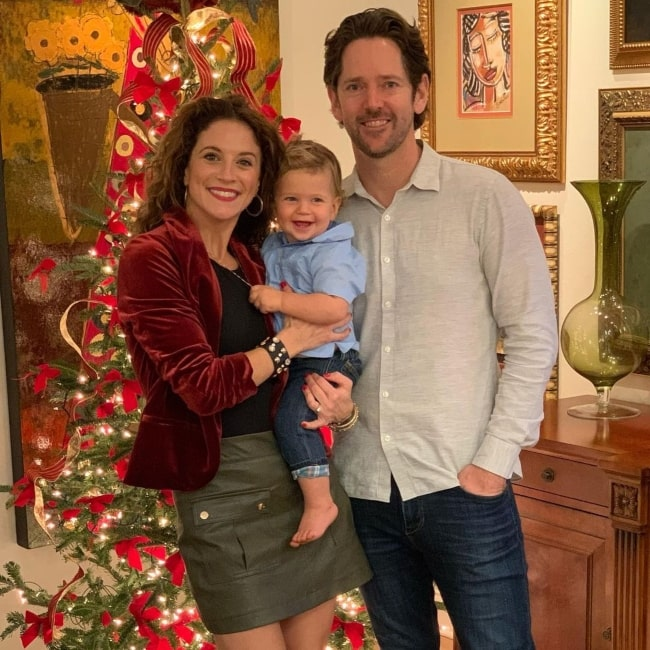 Alexis Carra as seen in a picture that was taken with her husband Christopher Girbés and their son Pierce Manuel in December 2020