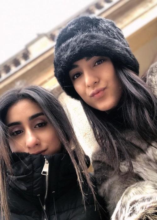 Kanikka Kapur as seen in a selfie that was taken her sister Karishma Kapur in November 2020