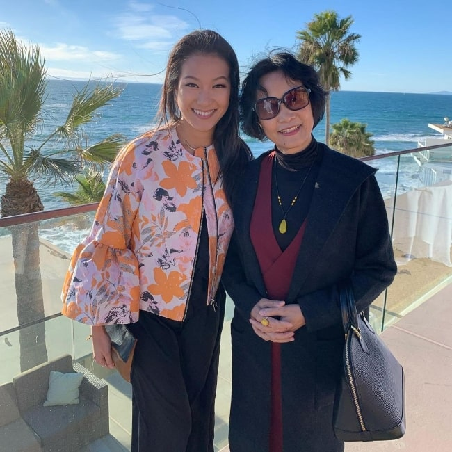 Kara Wang (Left) and her mother in an Instagram post in May 2021