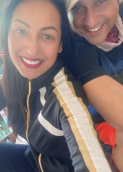 Kashmera Shah as seen in a selfie that was taken with her beau Krushna Abhishek in June 2021