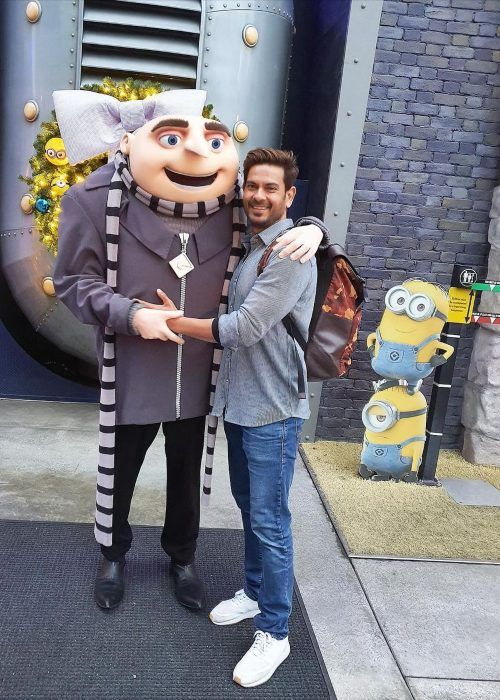Keith Sequeira seen posing with Gru at Universal Studios in 2020