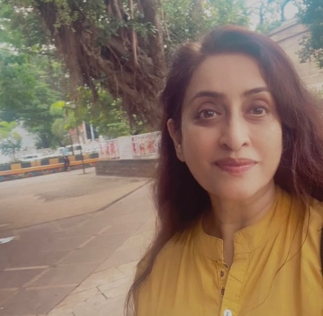 Navni Parihar as seen while clicking a selfie at Siddhivinayak Temple in Mumbai, Maharashtra in August 2021