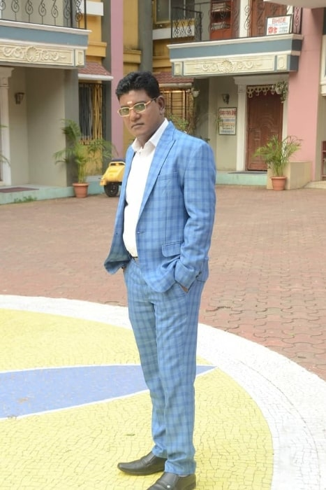 Tanuj Mahashabde posing for the camera while on the set of 'Taarak Mehta Ka Ooltah Chashmah' in Mumbai, Maharashtra in December 2019