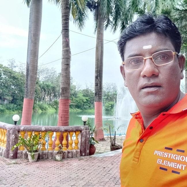 Tanuj Mahashabde taking a selfie in Mumbai, Maharashtra in July 2021