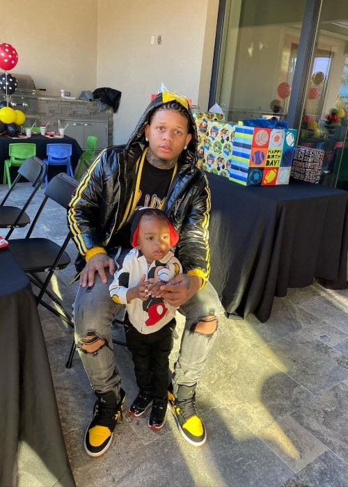 Yella Beezy as seen in a picture that was taken with his son in January 2020