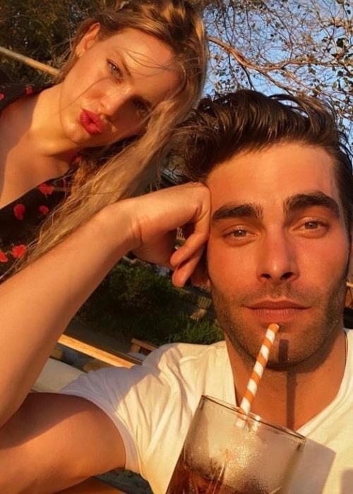Alejandra Onieva as seen in a selfie that was taken with model Jon Kortajarena in May 2020